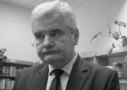 Hallható: Vantara Gyula