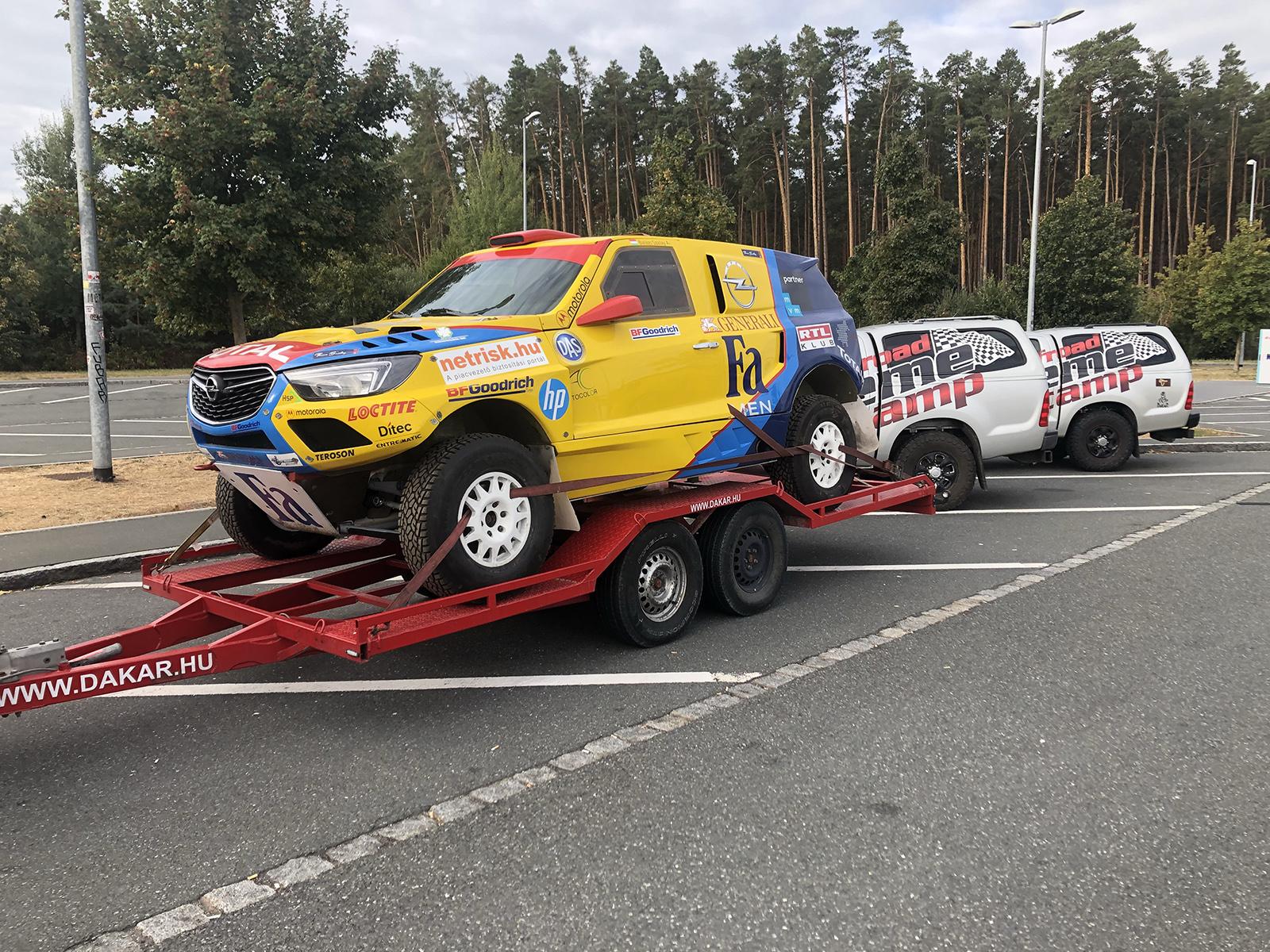 Úton a karaván! – Újabb kihívás előtt az Opel Dakar Team