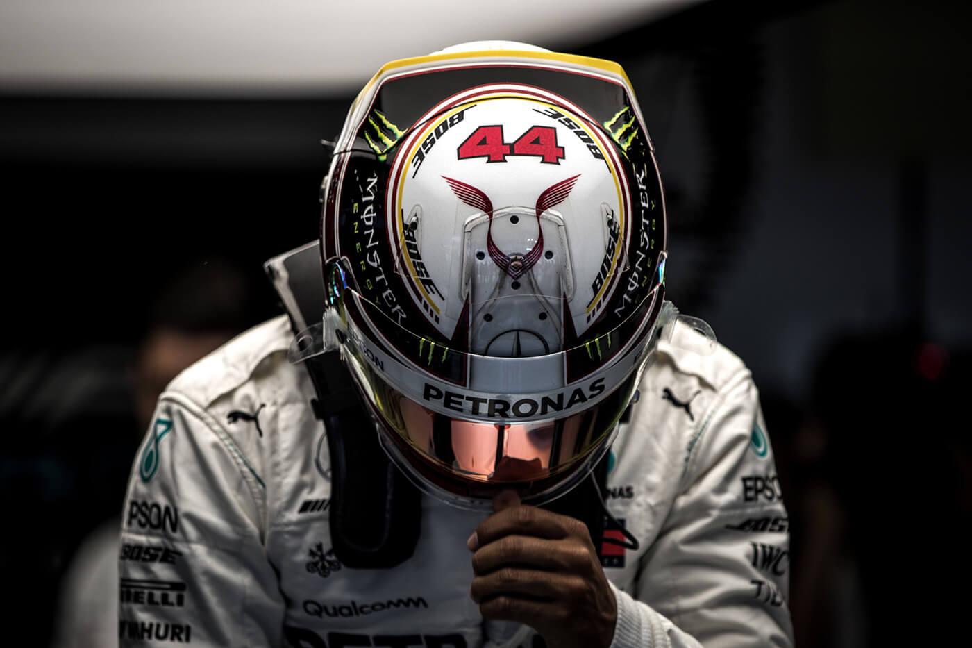 Hamilton ötödször világbajnok, Verstappen nyert