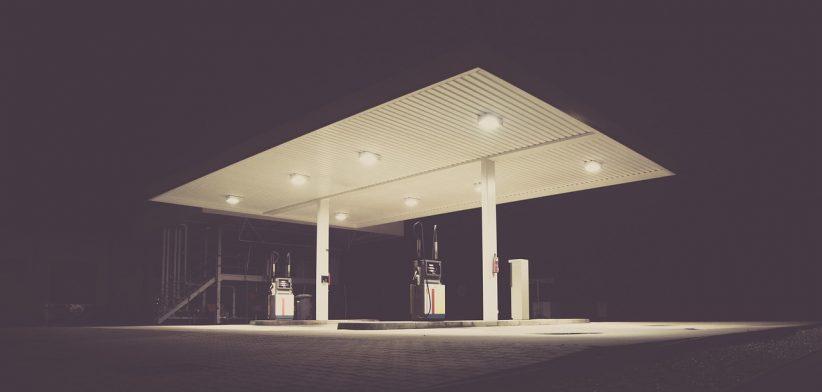 garabonciás, benzinkút, kút