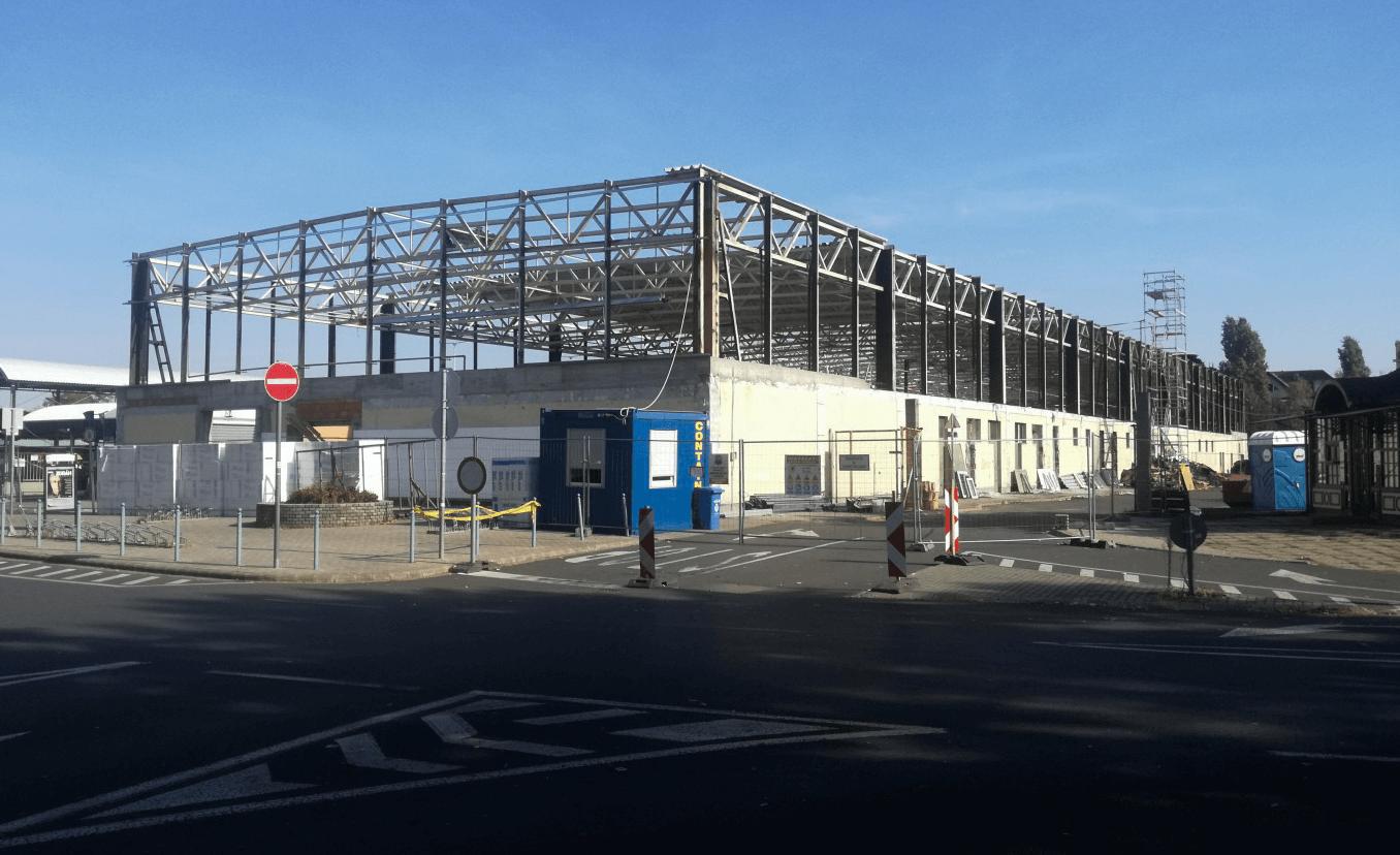 Közel két hónapja tart a békéscsabai vásárcsarnok felújítása