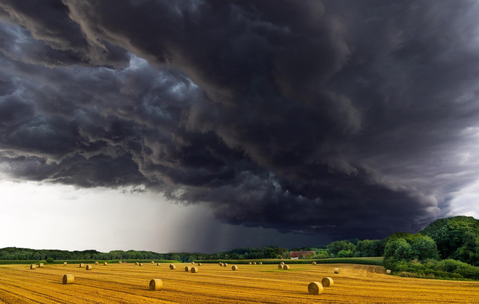 Az éves csapadékmennyiség fele 12 nap alatt esik le