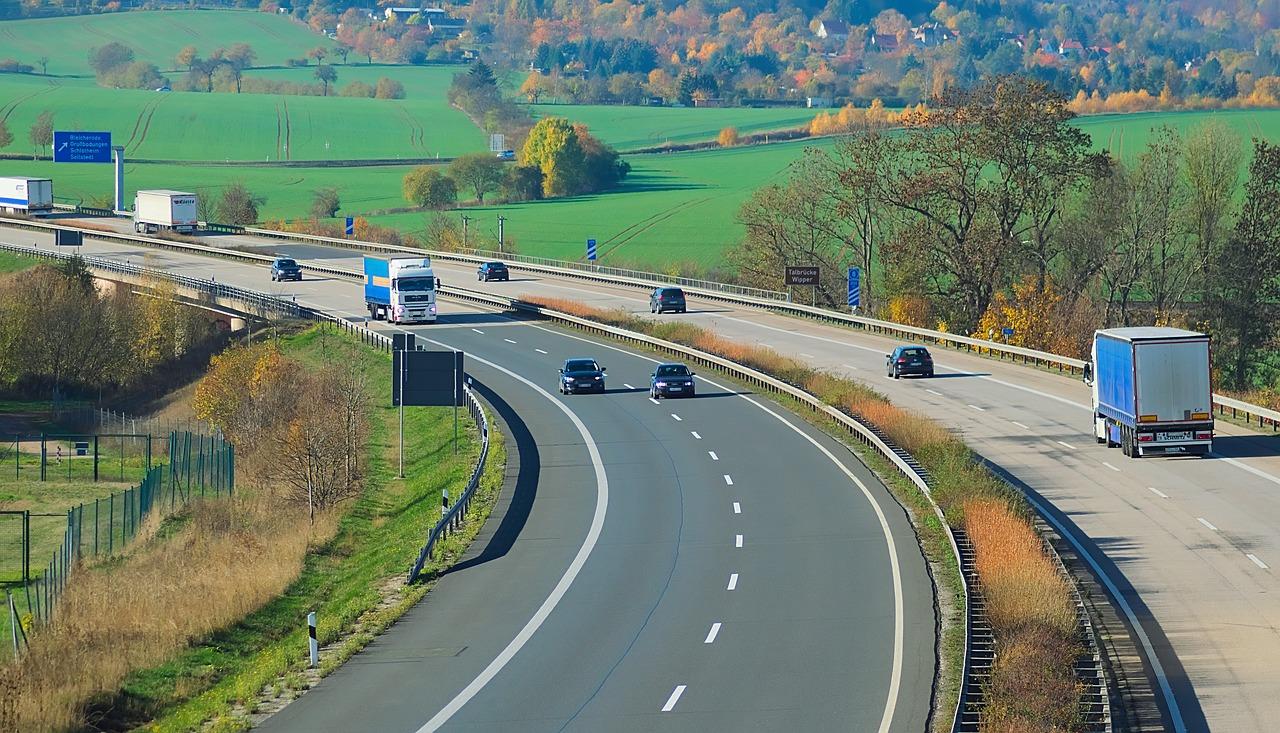 Autopalyamatrica.hu: érdemes tájékozódni a díjköteles úthálózatról