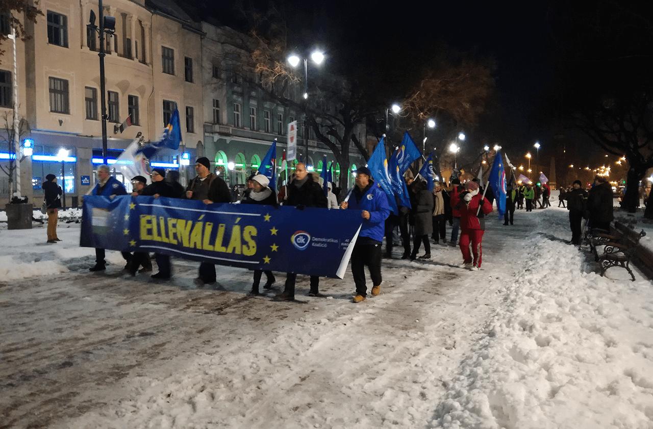 Kormányellenes demonstrációt tartanak Békéscsabán